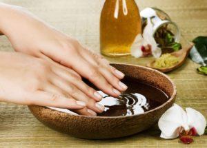 Aceite de oliva para las uñas débiles